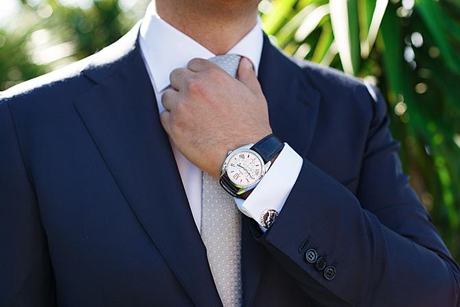 preparazione dello sposo dettaglio gemelli orologio