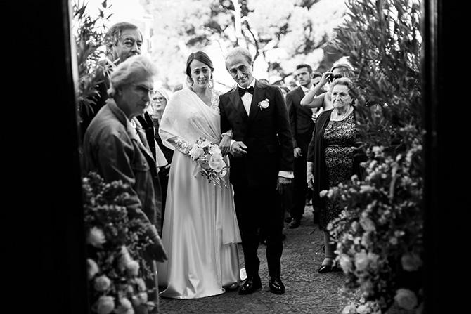 fotografare un matrimonio in bianco e nero sposa padre capri